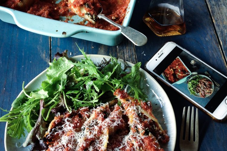 Spinach and Cottage Cheese stuffed Pasta Shells